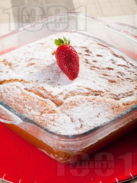 Лесен обикновен маслен сладкиш  / кекс с яйца, прясно мляко, нишесте, брашно и бакпулвер - снимка на рецептата